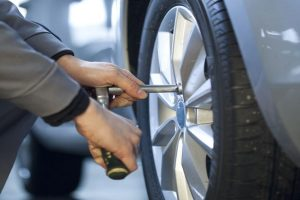Roadside Assistance Tujunga - Tire Change